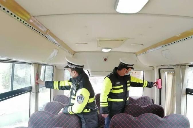 图们公安交警大队开展复学复课校车安全大检查